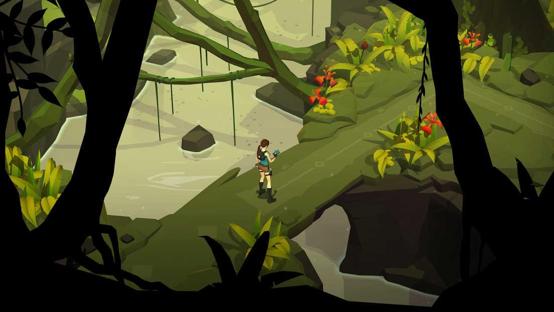 Lara Croft GO screenshot 1